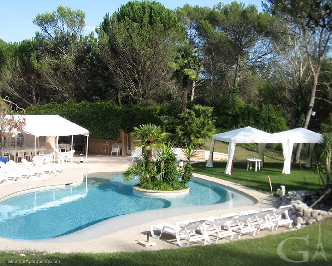 #147 - Exclusive 12-room villa on French Riviera