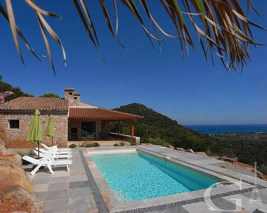 Original comfortable villa on Corsica