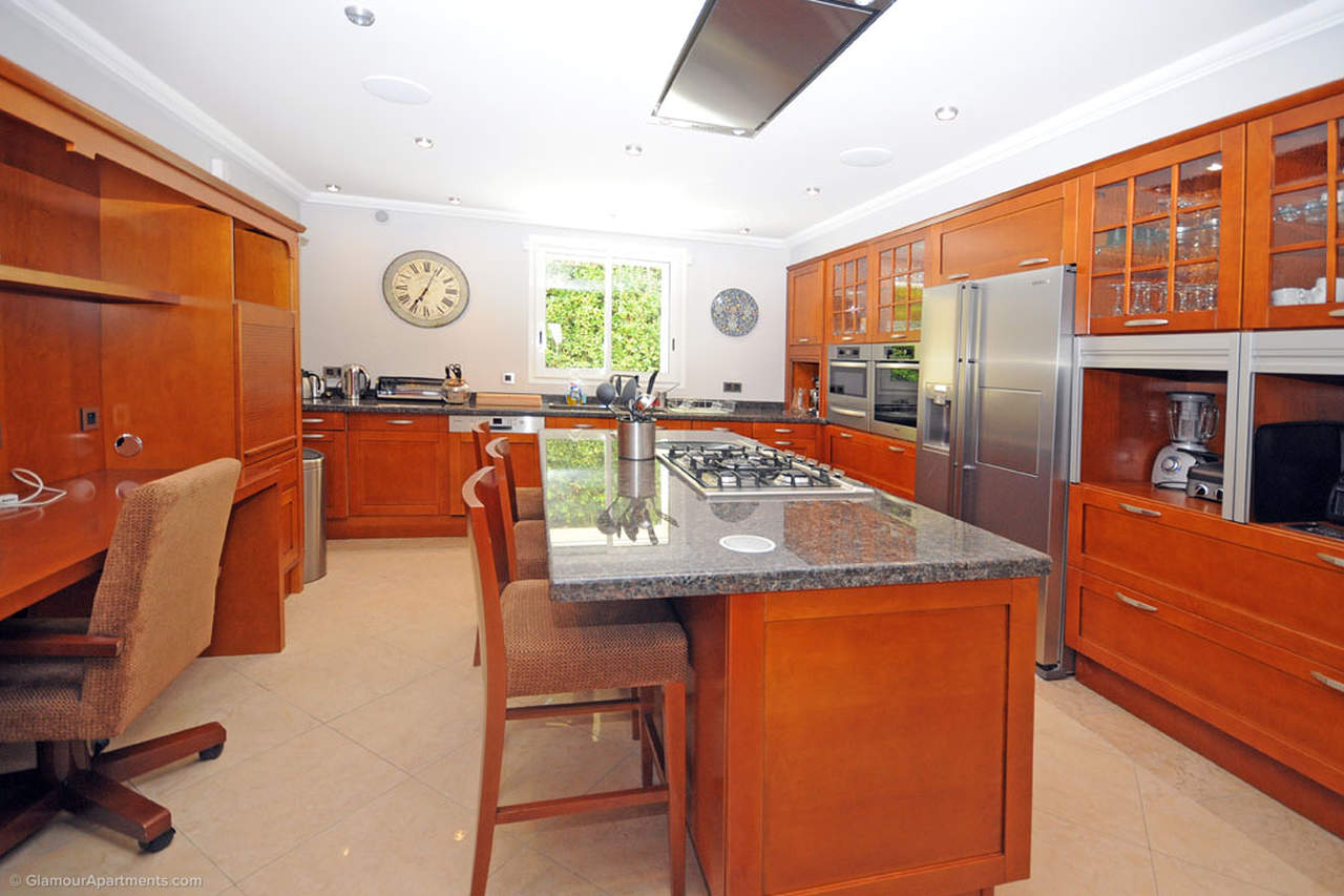 Kitchen\Dining room
